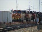 BNSF ES44DC 7422