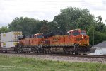 BNSF7489 and BNSF6660