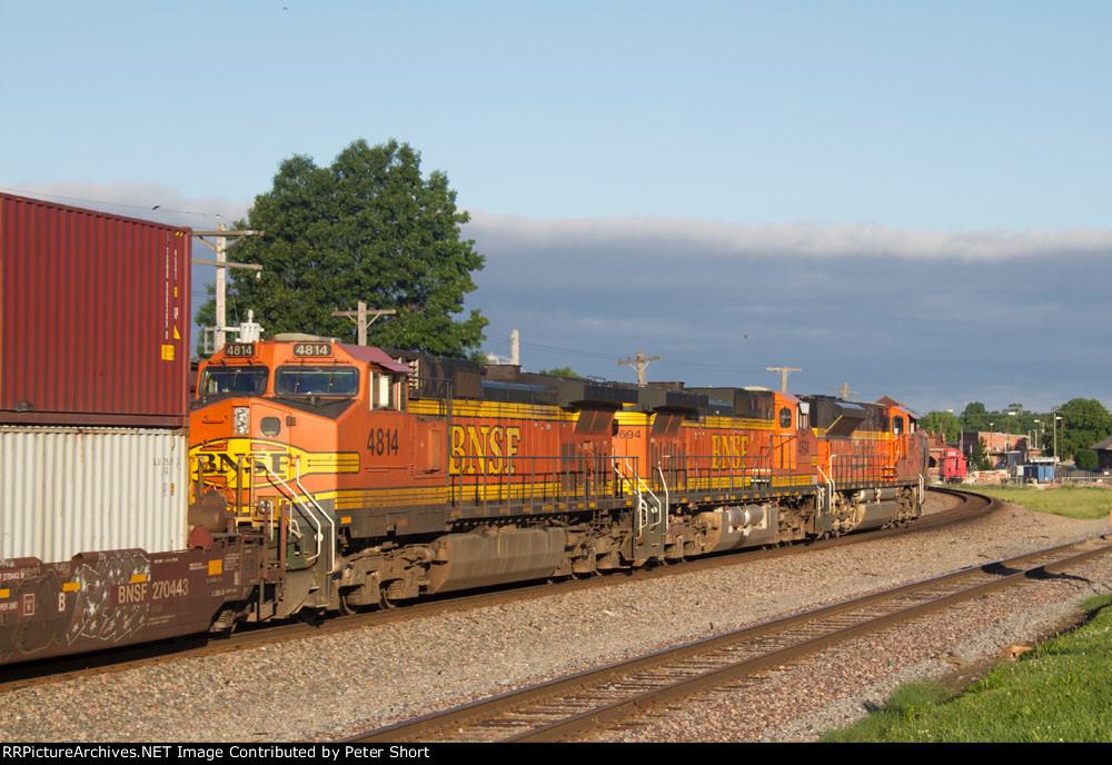 BNSF9165, BNSF4694 and BNSF4814