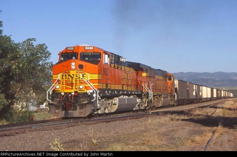 BNSF 5688