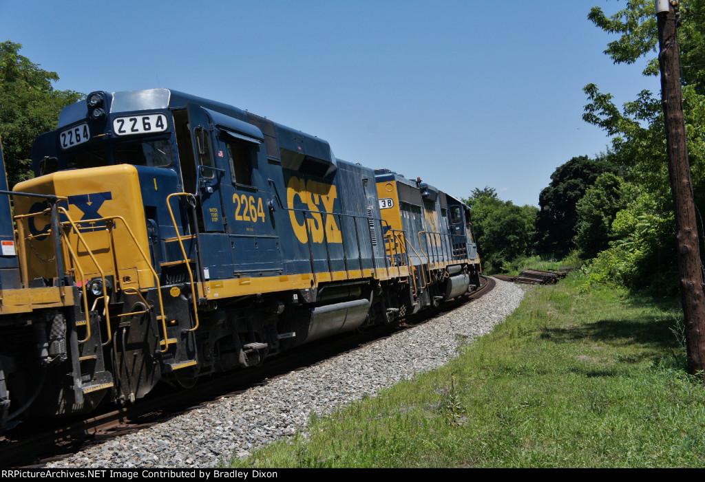 CSX 6438 and CSX 2264