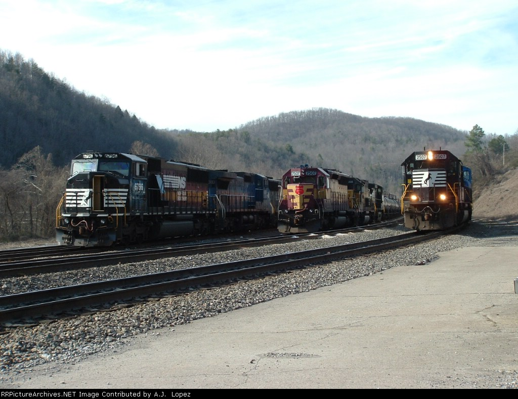 Busy day at Oakdale, TN.