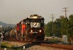 NS 8867, southbound NS train 61N