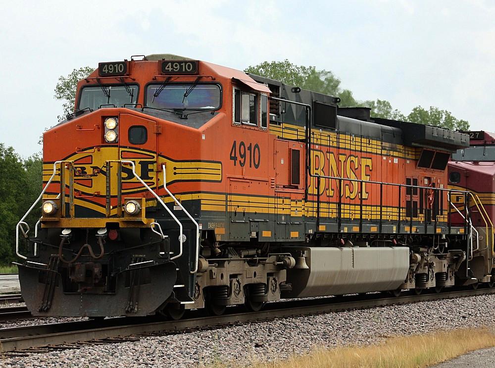 BNSF 4910