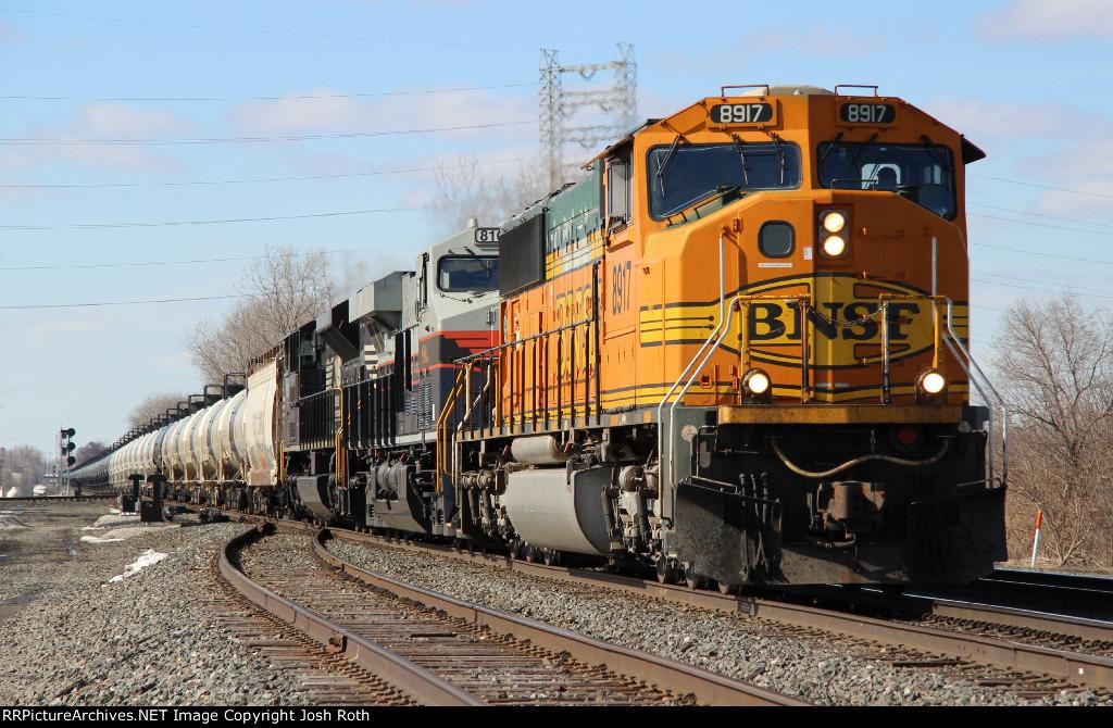 BNSF 8917, NS 8101 & NS 1059