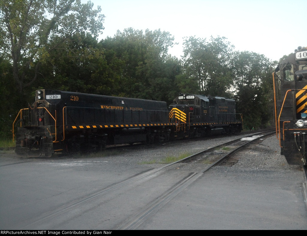 Winchester & Western 210 and 572 at Gore