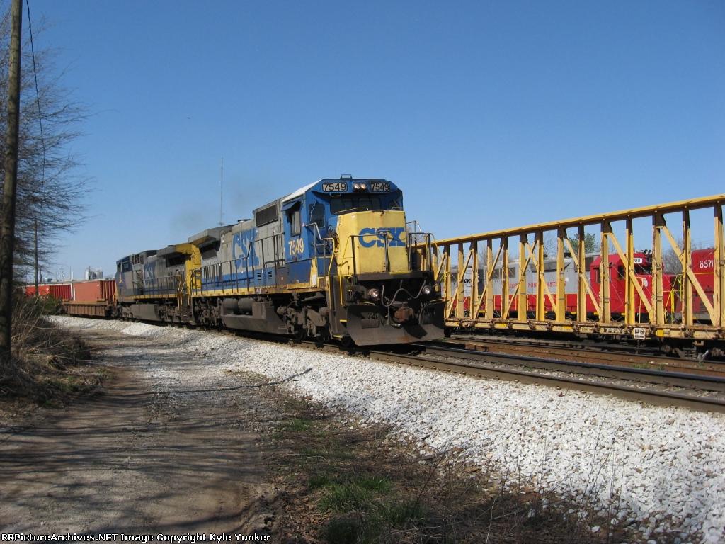 SB intermodal train Q141