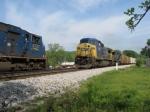 SB intermodal train Q141 meets Q699