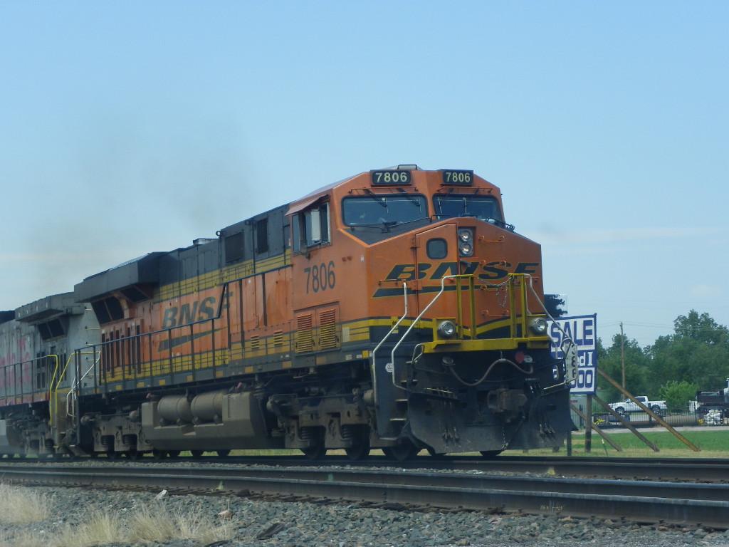 BNSF ES44DC 7806