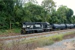 NS GP38-2 5669 leads H24 - The Hershey Shiffter
