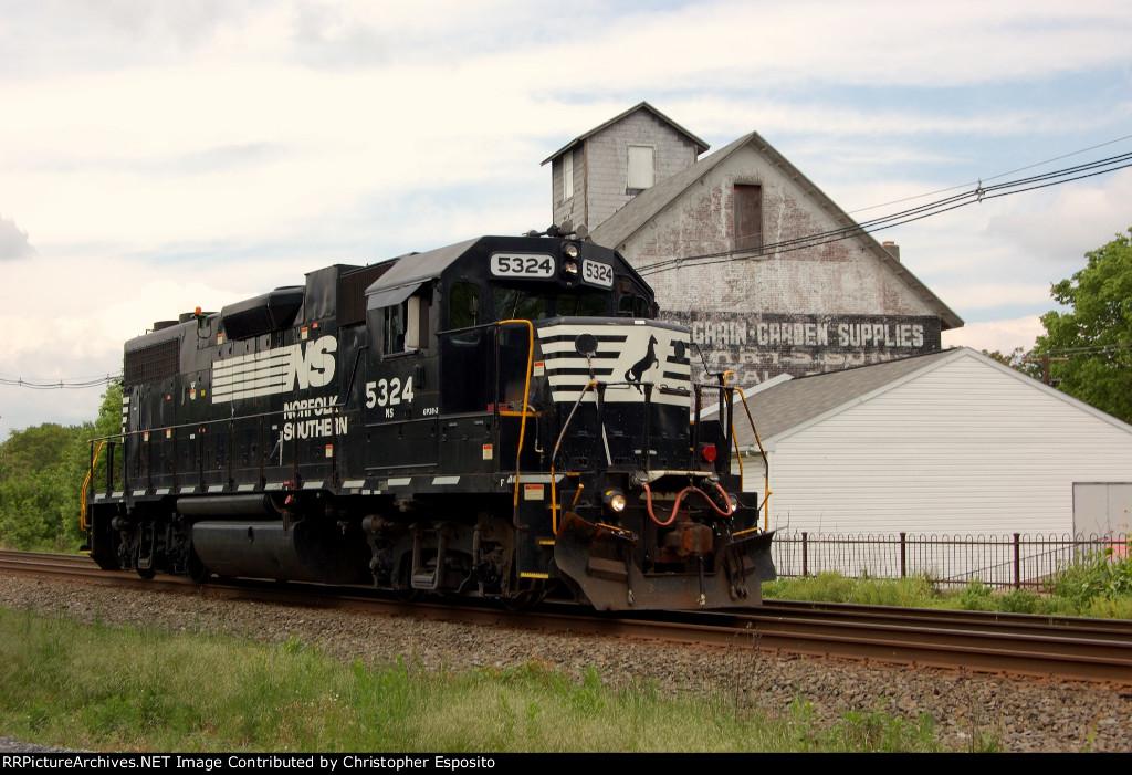 NS GP38-2 5324