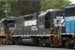NS GP38-2 5121 on 34A
