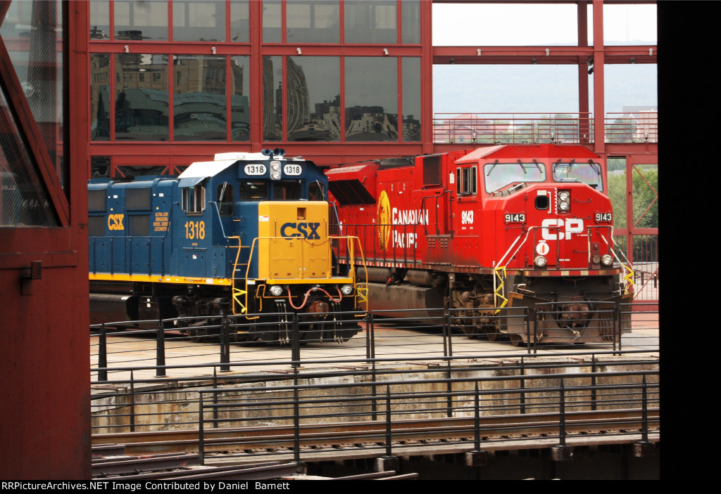 CSX 1318 and CP 9143