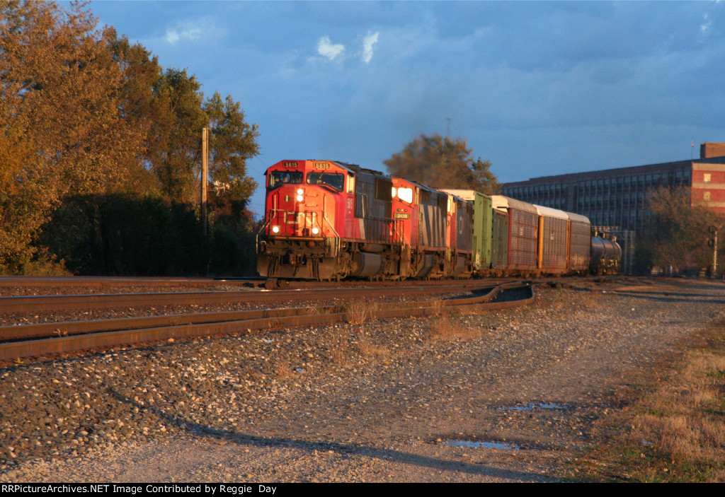 WB CN engs. 5615, 2428, 2454 on ex-GTW 10-29-2006