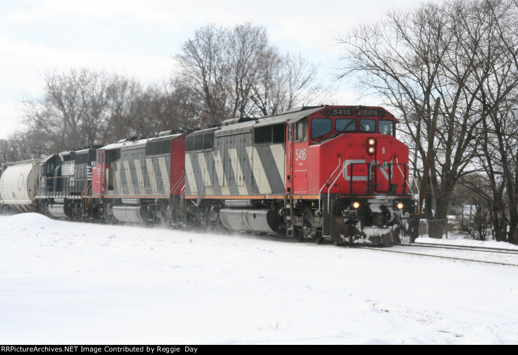 EB CN on ex-GTW engs. 5416, 5515, NS 1641 2-19-2007