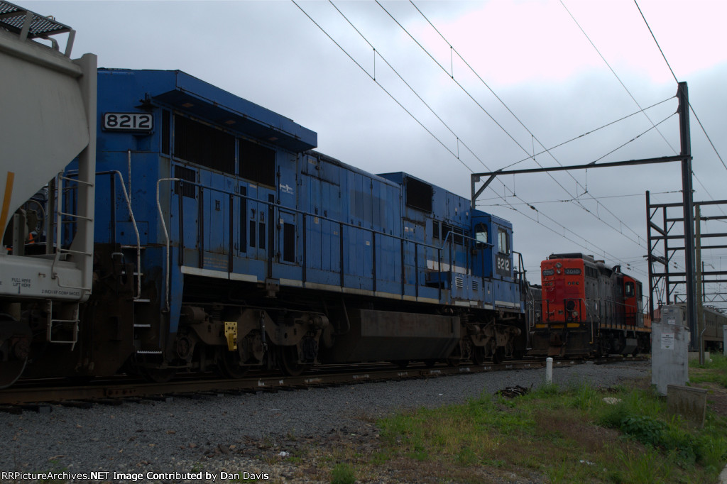PN C39-8 8212 and GP9RM 7210
