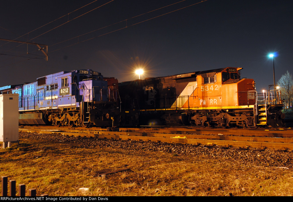PNRR C39-8 8212 and SD40-2W 5342