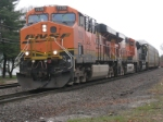 BNSF 7639, BNSF 7618, NS 2662 on AYMO through Shirley