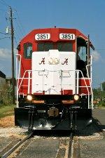 Nose detail of Univ of Alabama scheme