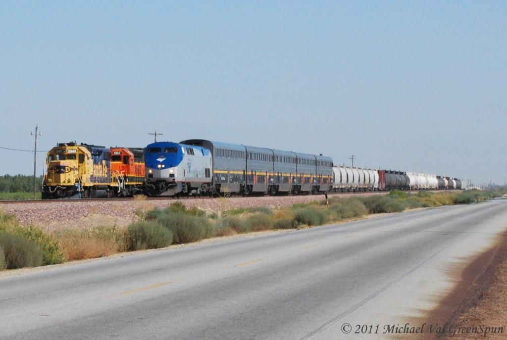 BNSF 2947 & AMTK 71
