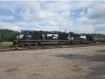SD60I and SD60M sit in Meadville yard