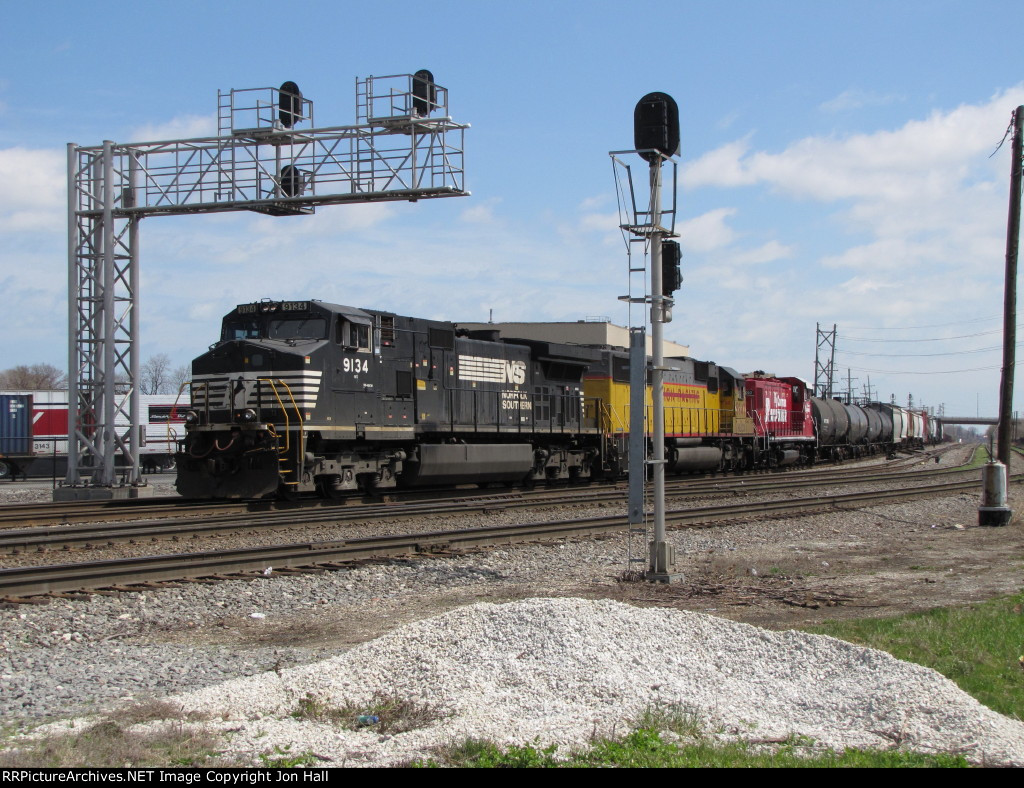 With an RJ Corman demo genset in tow, 19A rolls into the plant at Hayford and Clearing Yard