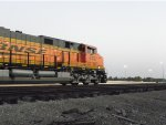 BNSF ES44C4 6707