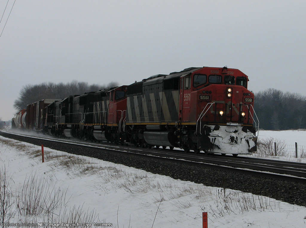 CN 5561 east at Mile 260 Kingston Sub