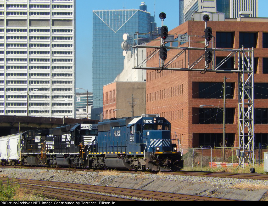 NS P76 ducking under the CofG Spring Signals