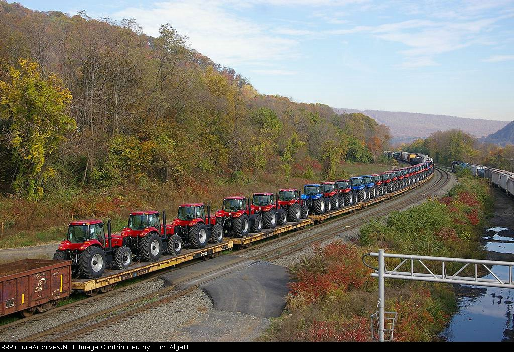 New Holland Tractors on NS 20T train