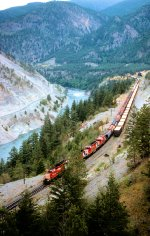 CP 5693 5704 5747 3007 WB Manifest Approaching Lytton, BC