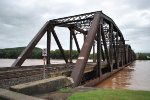 NS Buffalo Line bridge at Sunbury as the river rises