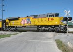 UP 8750 pushes the employee special toward Mingo Rd