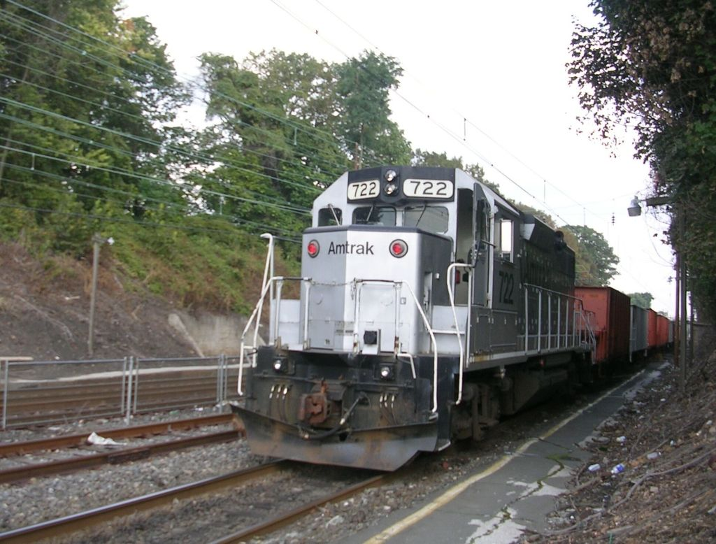 Amtrak worktrain GP38 #722