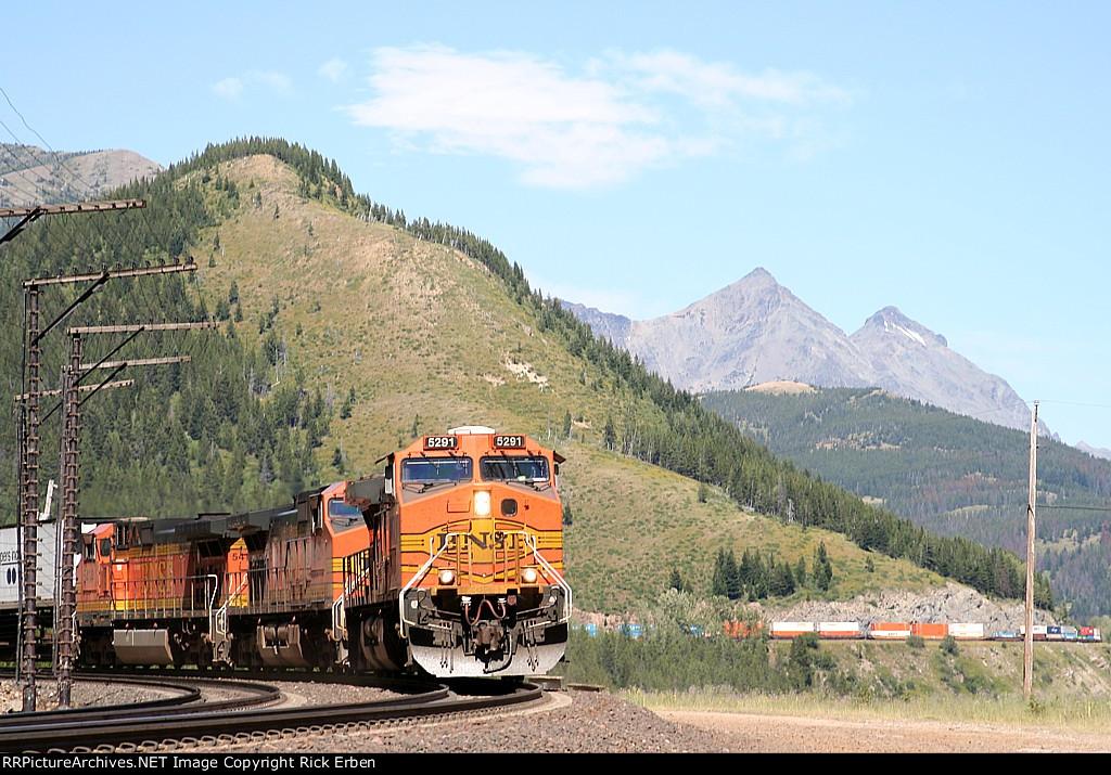 Impressive scenery, impressive mountain railroading