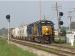 D700-03 splits the Ivanrest signals as it nears Wyoming Yard