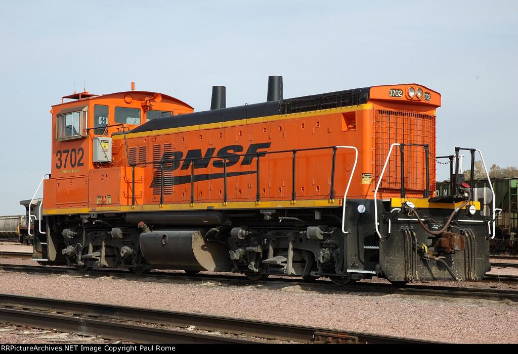 BNSF 3702, EMD MP15, at the BNSF Yard