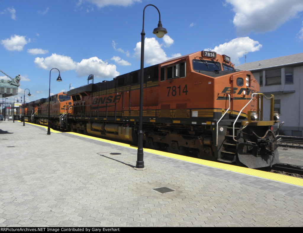 BNSF 7814, BNSF 7808, BNSF 6662 and BNSF 4387