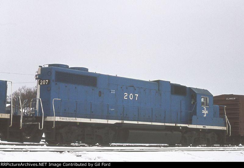B&M 207(GP38-2)