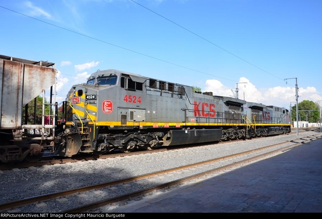 KCSM AC44 Gray scheme at Queretaro Station