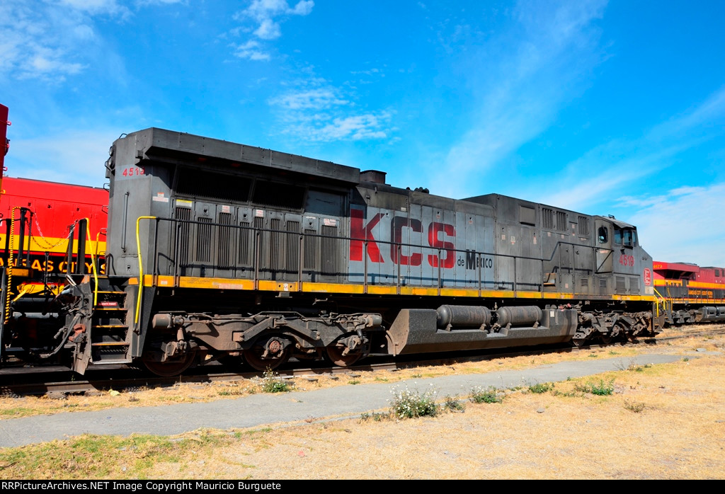KCSM AC4400 Locomotive on gray paint scheme