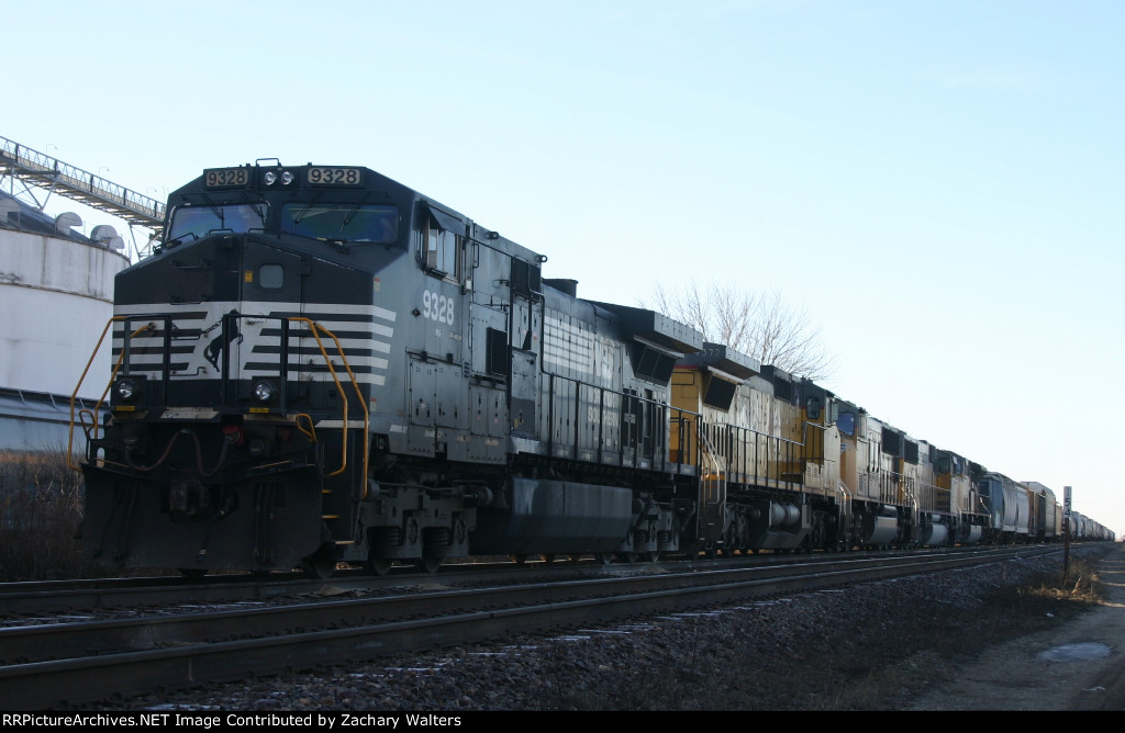 NS 9328 Leads 4 UP engines