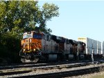 BNSF 7307 Leads a Long Intermodal