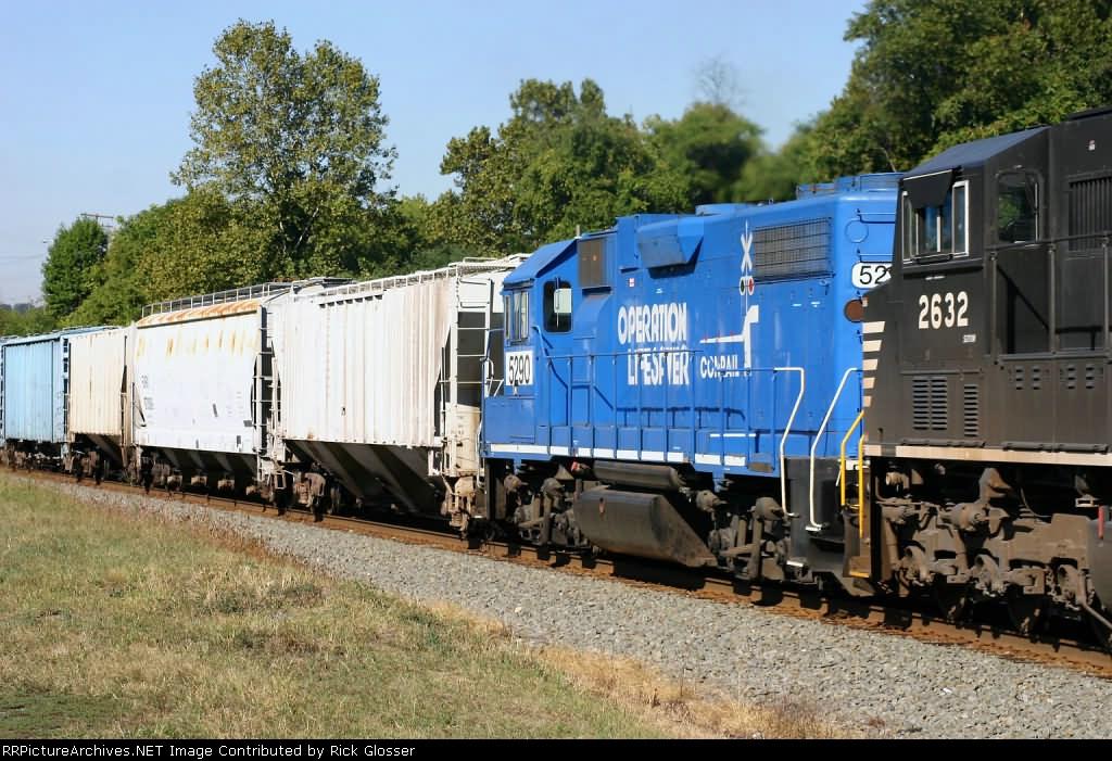 18G With Ex-Conrail/Penn Central Unit