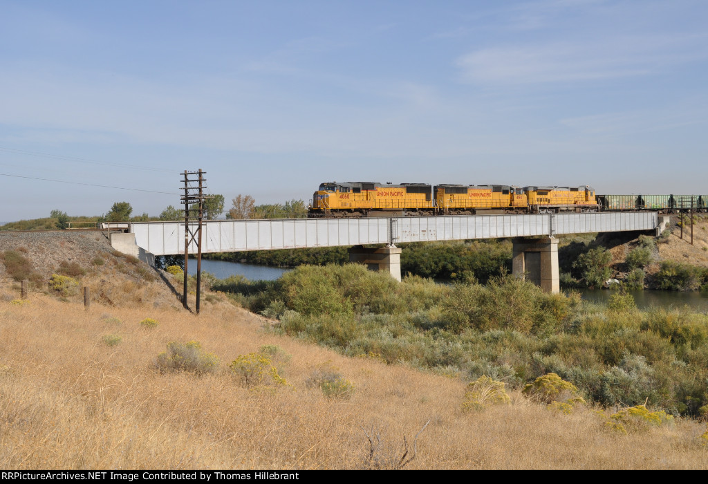 UP 4060 Westbound with Empty Ballast Hoppers