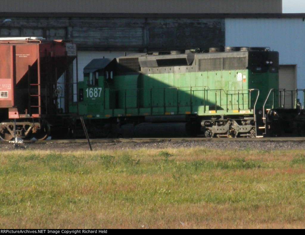 BNSF 1687 At The Roundhouse