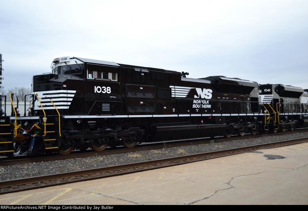 NS 1038