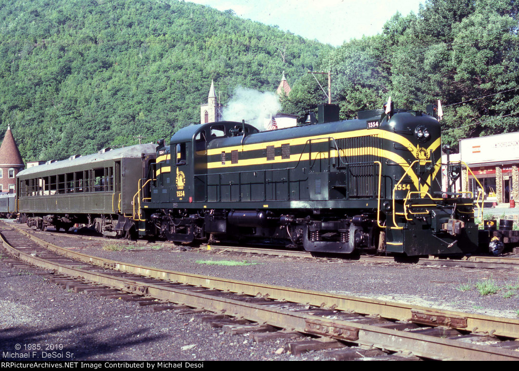 Restored CNJ RS-3 #1554 at Jim Thorpe, PA. August 1985