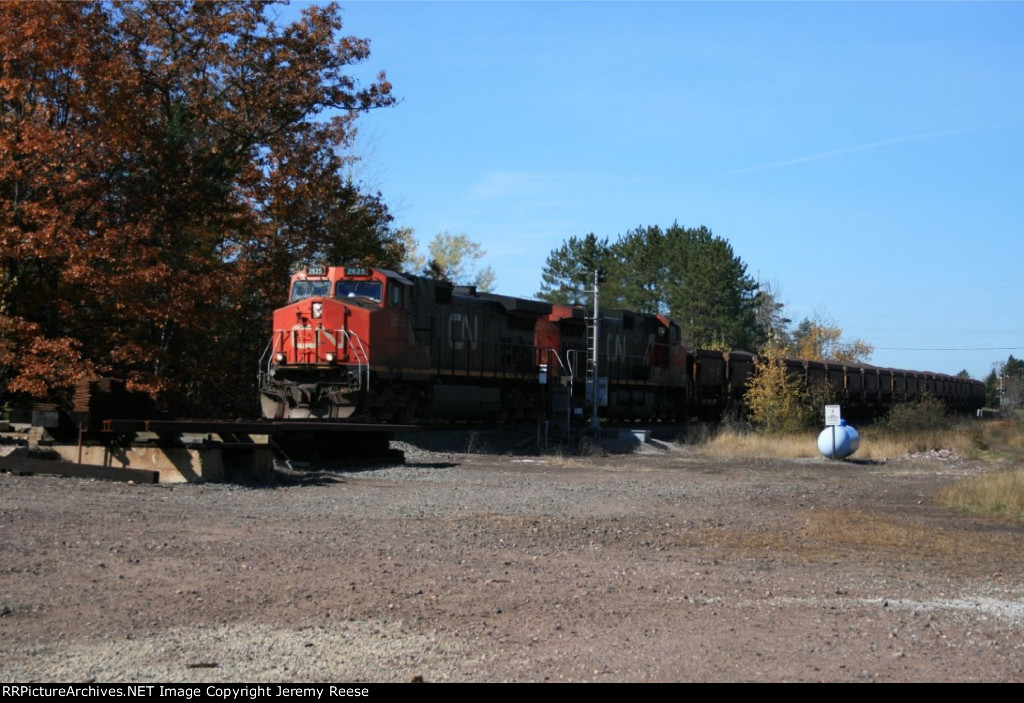 CN 2625 passing the old Spring Switch signal at Little Lake