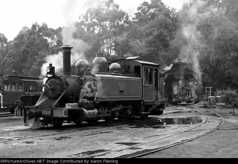 6A and 7A steaming in the yard